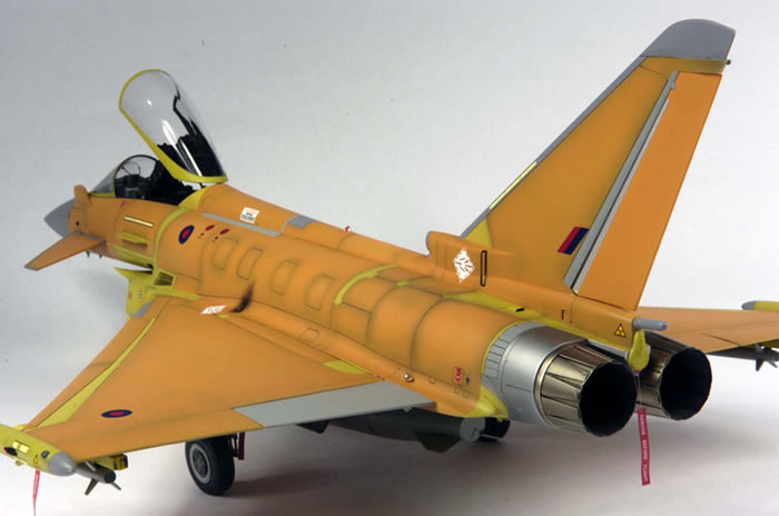 Eurofighter Typhoon by Alan Price (Revell 1/32)