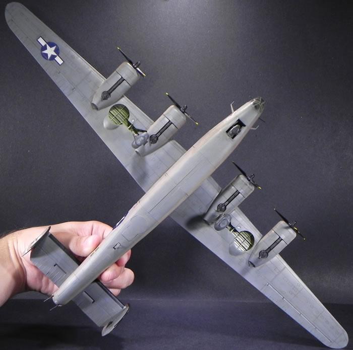 Hasegawa 1/72 B-24D Liberator by Evan Smith
