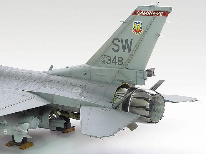 Tamiya 1/32 F-16CJ by Steve Pritchard