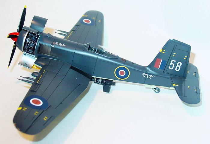 Valom 1//72 Scale Blackburn Firebrand TF.Mk.IV Plastic Model Building Kit # 72140
