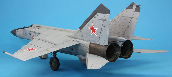 ICM 1:48 Mig-25 RBT Soviet Reconnaissance Plane Plastic Model Kit #48901